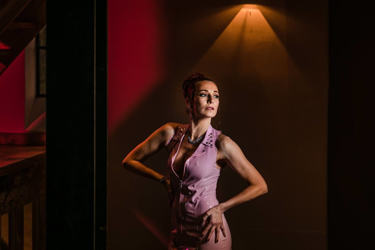 Portretfotoshoot-locatie-Heerde-Latex-model-Natasja