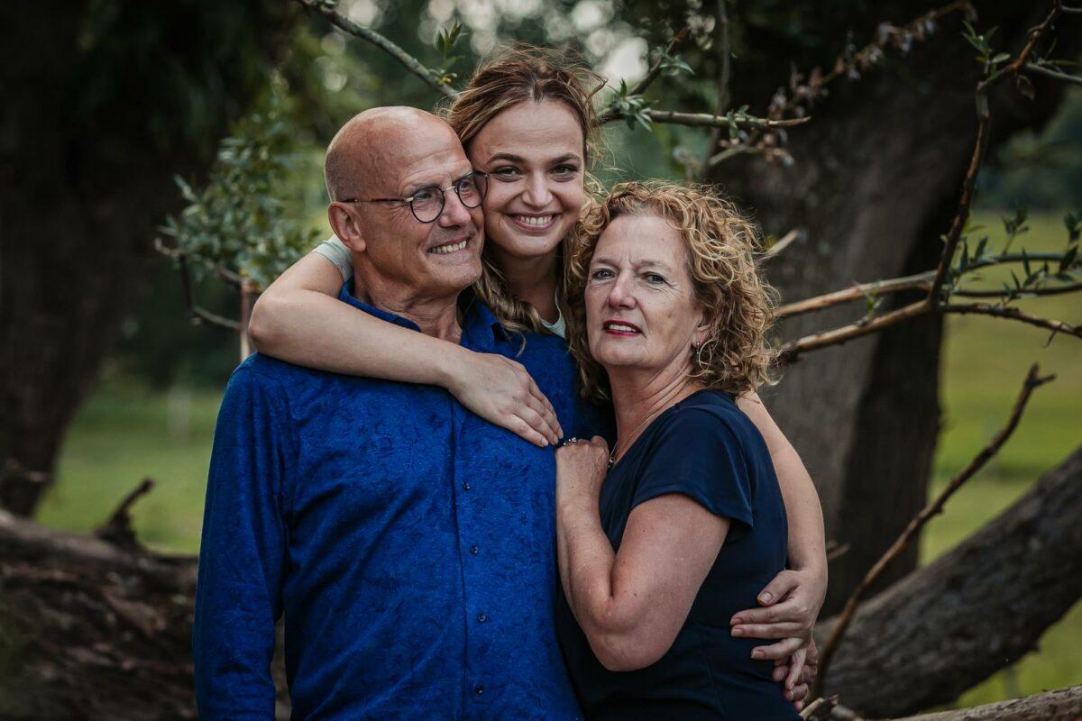 familie-fotoshoot-Loo-Zevenaar-Uiterwaarde-moment-design-gezinfotoshoot-arnhem