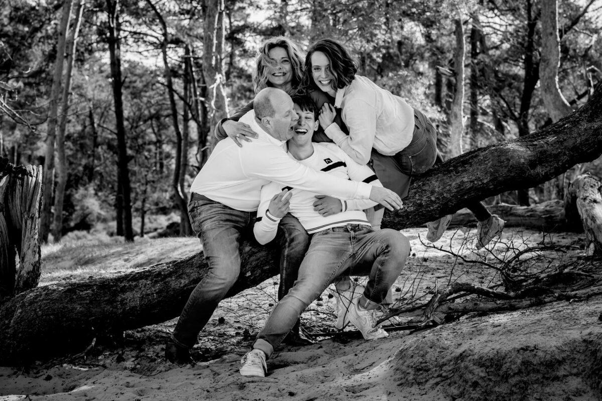 Gezin-fotoshoot-Soesterduinen-Soest-moment-design-fun-fotoshoot